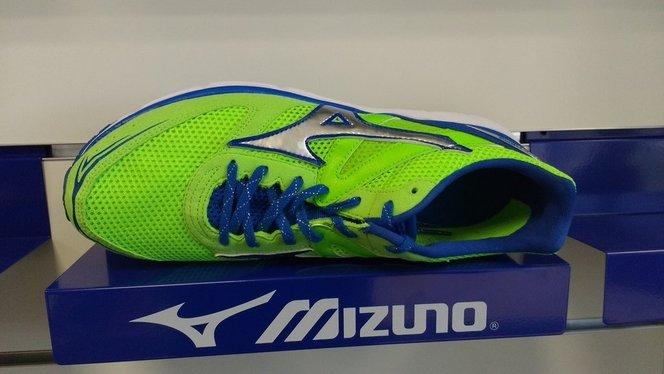 Mizuno Wave Aero 15