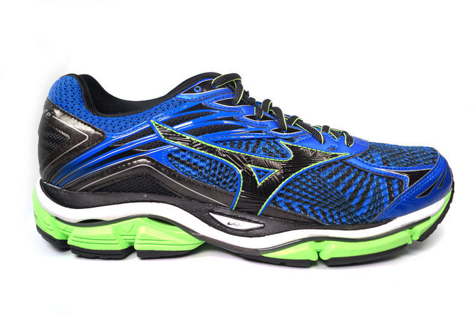 asics gel nimbus 17 vs mizuno wave rider 18