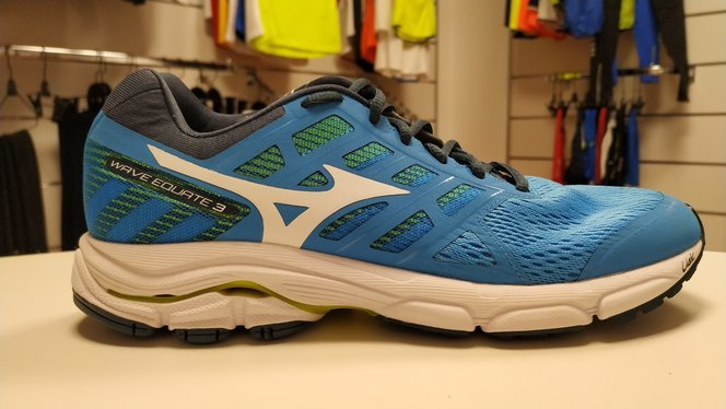Mizuno Wave Equate 3