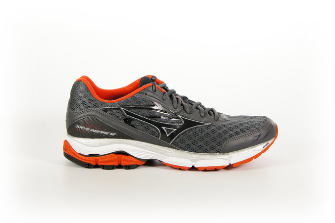 brooks adrenaline vs mizuno wave inspire