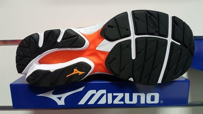Mizuno Wave Rider 20