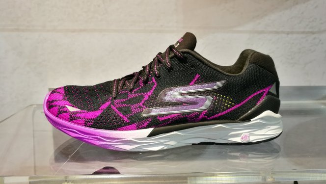 Skechers GOmeb Speed 4