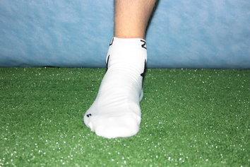 2XU (two times you), dos veces tú, es un binomio entre el deportista y el rendimiento. ¿Quiere decir eso que los calcetines 2XU low rise socks no ayudaran aumentaran nuestro rendimiento?