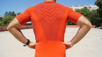 Si buscas rendimiento durante tus entrenamientos y competiciones esta es tu camiseta