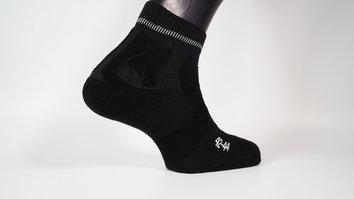 El pie queda protegido contra el sudor en verano y contra el frio en invierno
