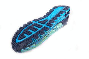 El AHAR y el Blown Rubber proporcionan agarre y durabilidad a la suela.