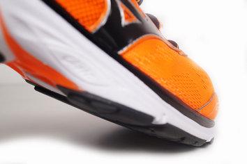 Zapatilla muy polivalente, capaz de moverse bien en varias facetas