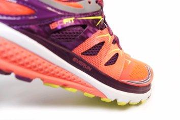 Zapatilla de entrenamiento de natural running amortiguada