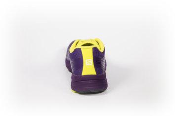 Zapatilla polivalente para corredores de peso medio-ligero