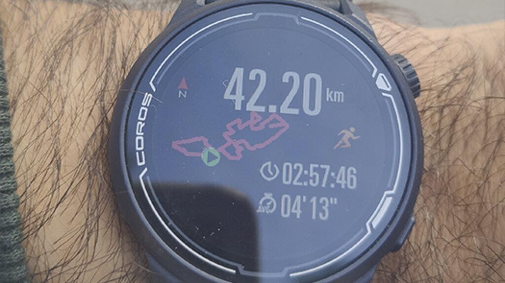 Coros lanza un reloj específico para el runner de asfalto