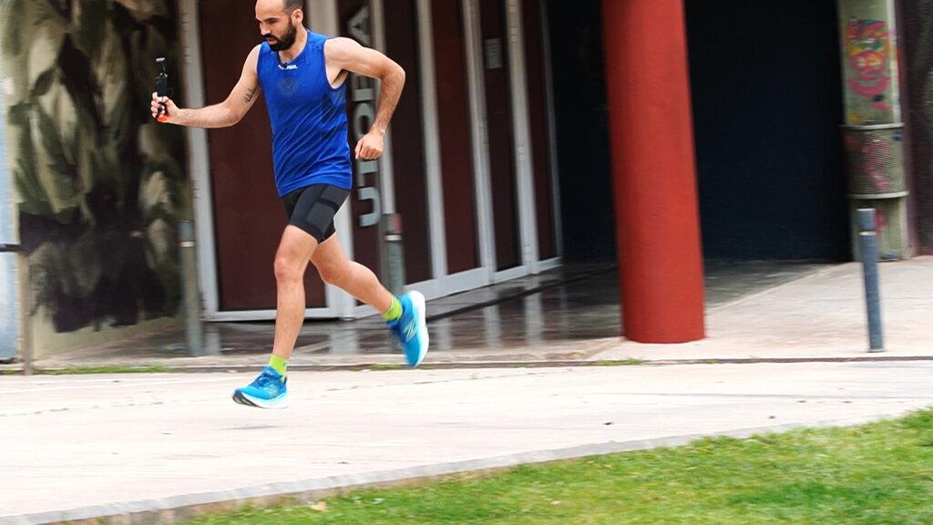 Un calcetín de entrenamiento y competición para distancias medias o largas